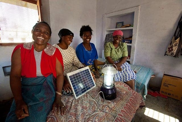 women solar engineers