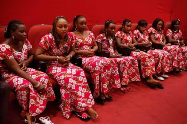 Ushers attend the meeting of the government consulting body Economic, Social and Cultural Council at the Palais de Congres in Niamey, Niger, September 16, 2013. REUTERS/Joe Penney (NIGER - Tags: POLITICS SOCIETY)